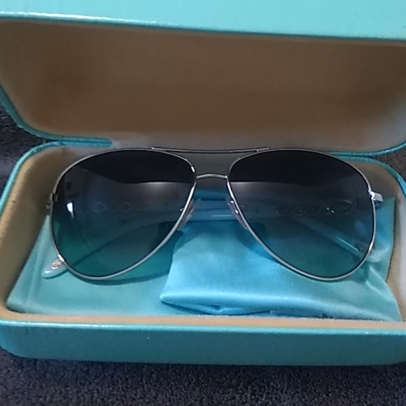 1cd956609e7b Tiffany   Co Aviator Sunglasses. M 5b98060cdf030776e70eb1bf. Other  Accessories ...